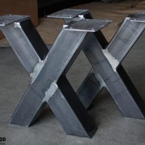 produkcja metalowych nóżek do niepowlekanych stołów