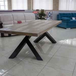 prostokątny stół z drewna z odzysku